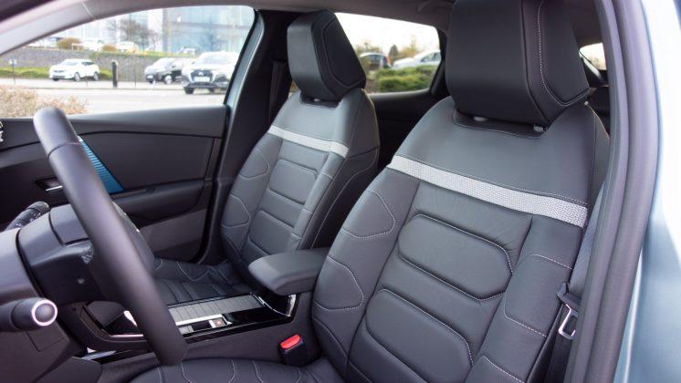 Citroen e-C4 seats