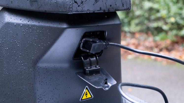 Sunra Robo-S charging port used