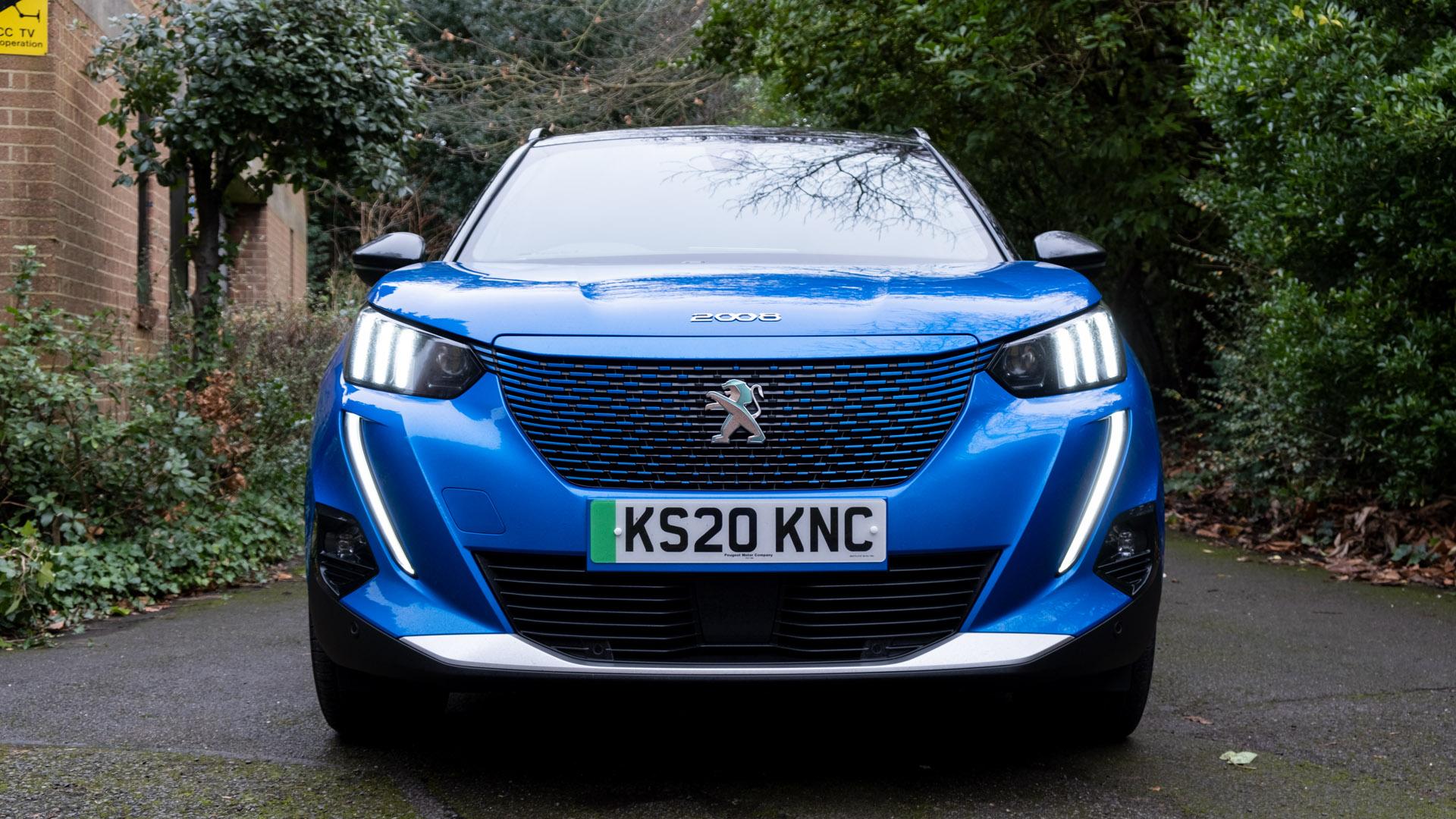 Peugeot e-2008 front design