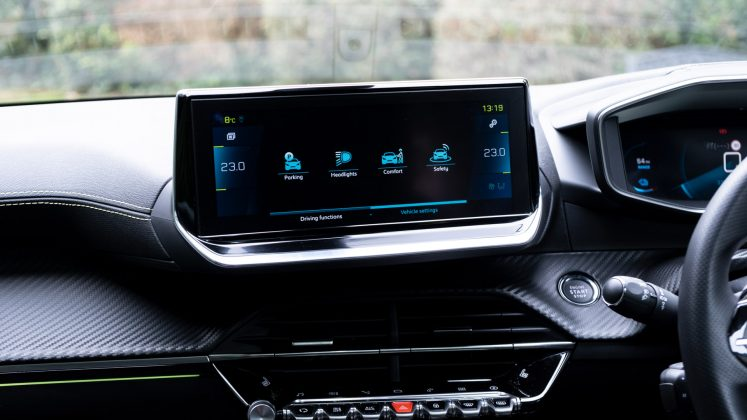 Peugeot e-2008 infotainment system