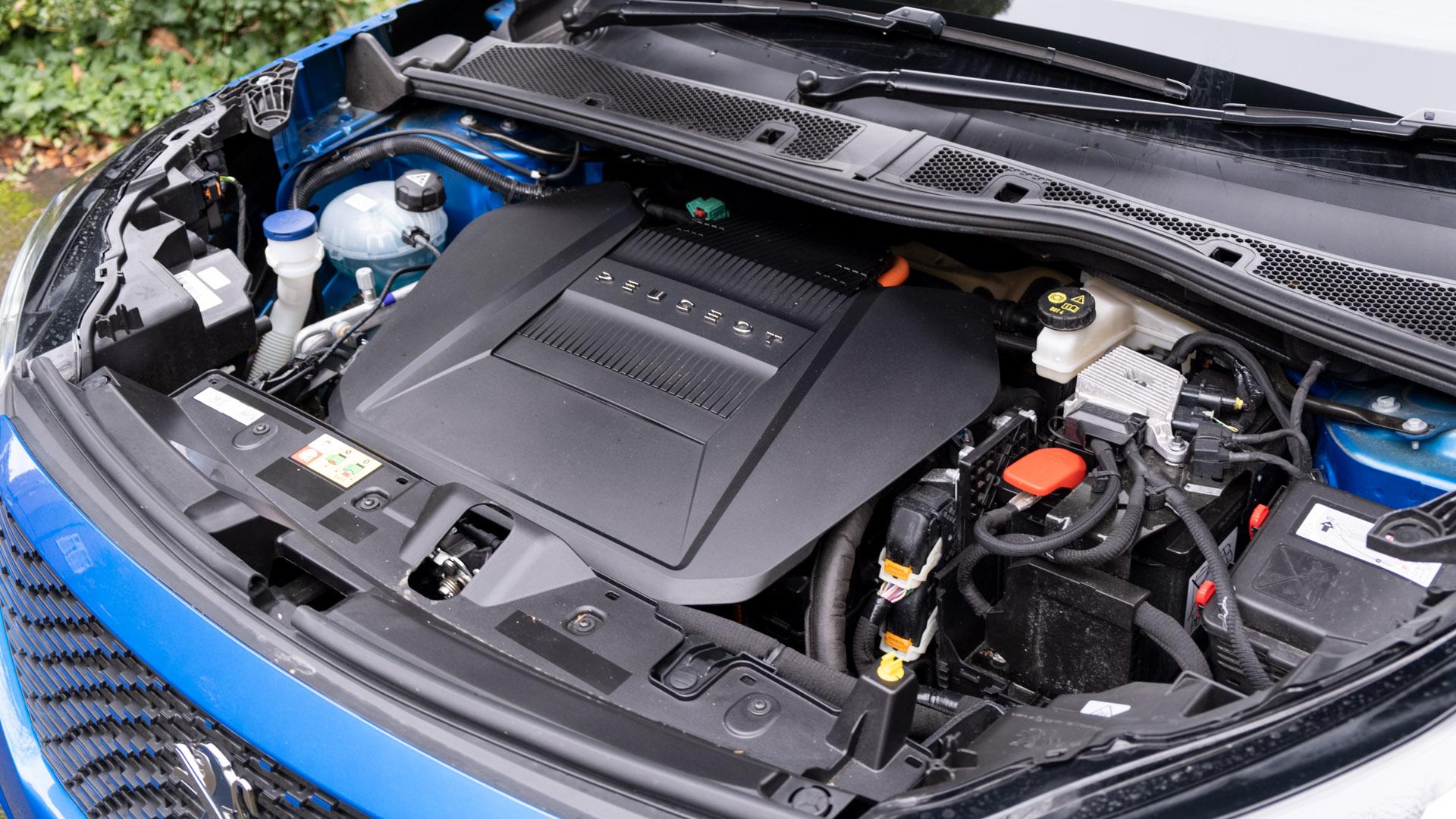 Peugeot e-2008 motor