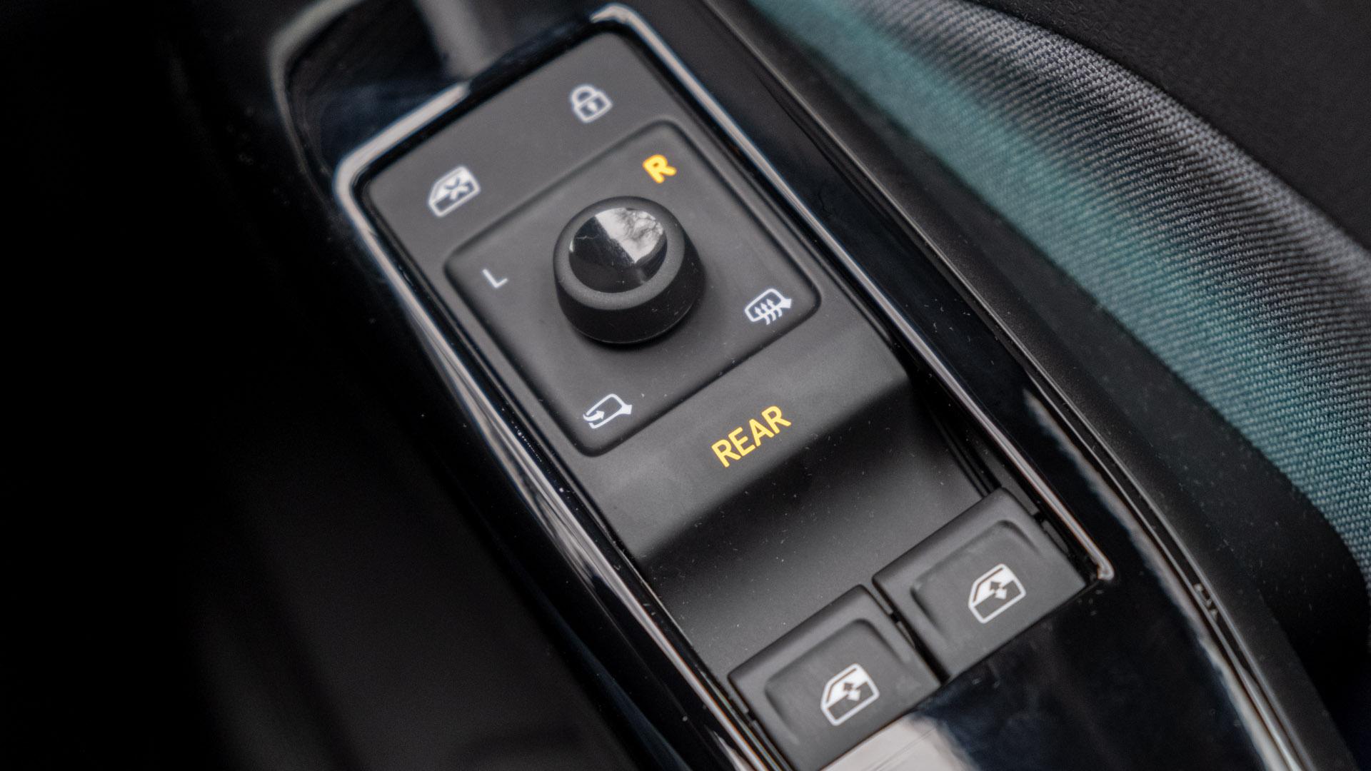 Volkswagen ID.3 window buttons