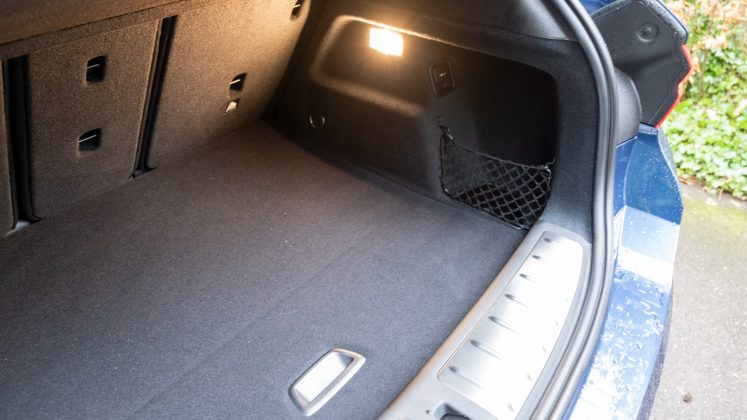BMW X2 xDrive25e boot space