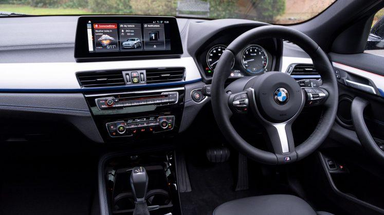 BMW X2 xDrive25e cabin