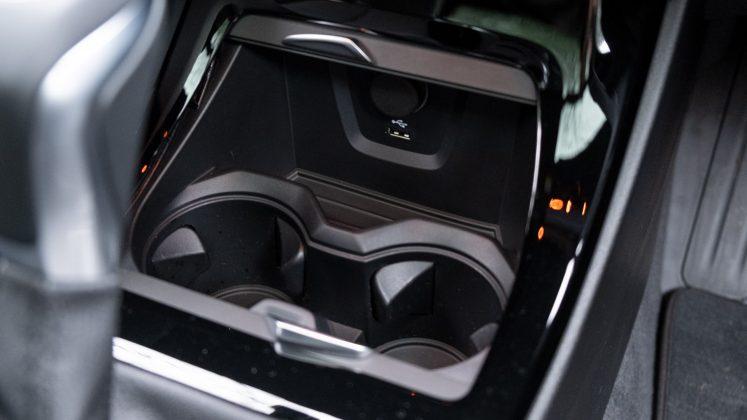 BMW X2 xDrive25e cupholders