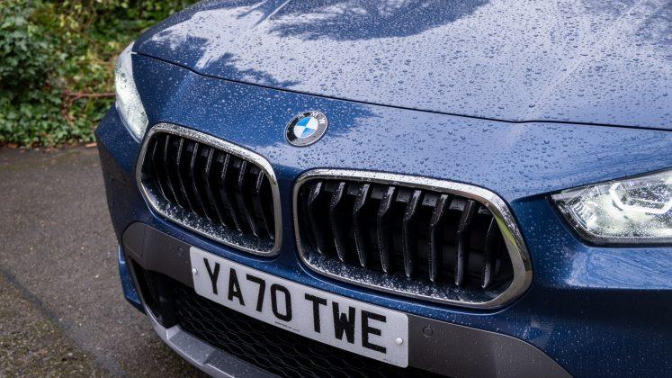 BMW X2 xDrive25e grille