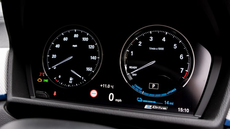 BMW X2 xDrive25e instrument cluster