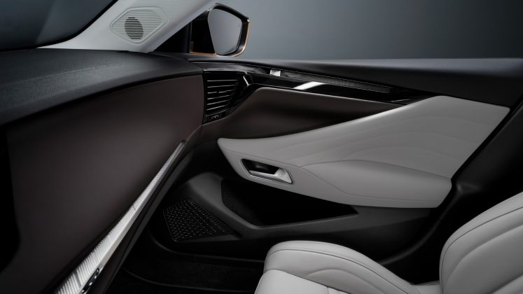 DS 4 cabin