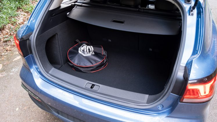 MG5 EV boot