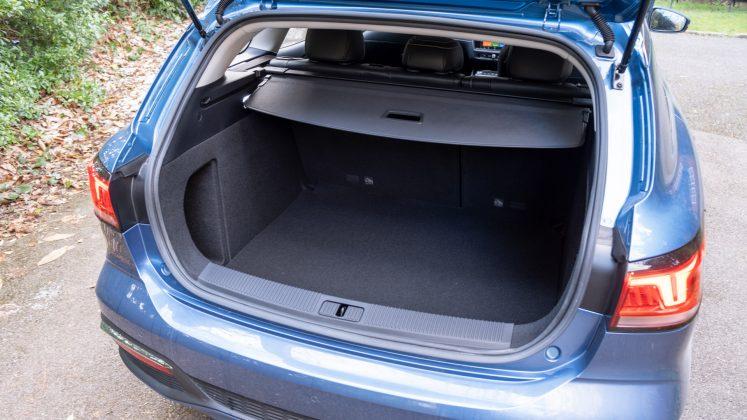 MG5 EV boot capacity