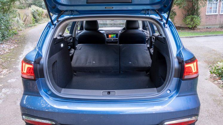 MG5 EV seats down