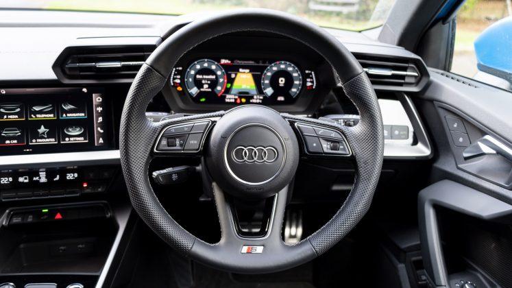 Audi A3 TFSI e steering wheel