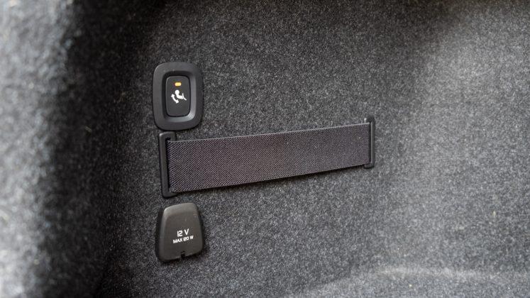 Polestar 2 boot controls