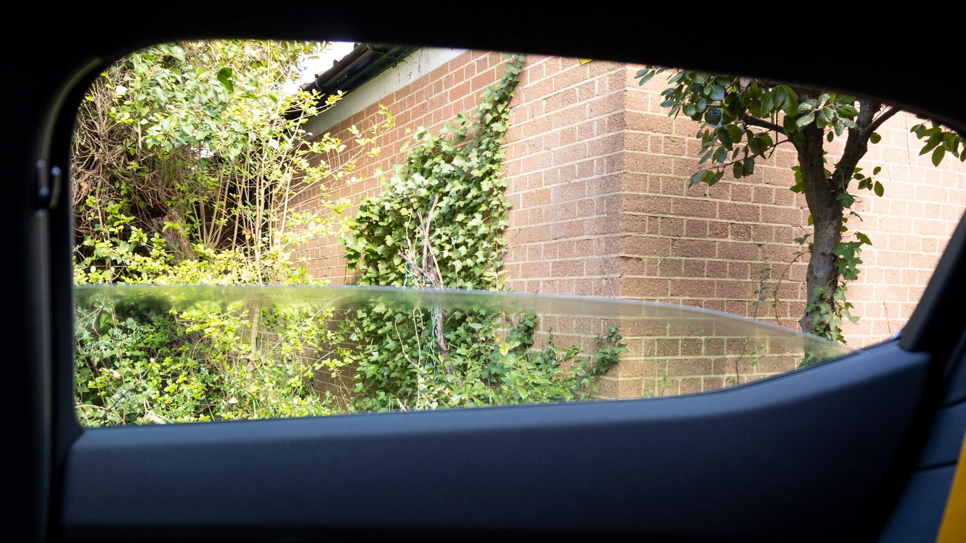 Polestar 2 rear window
