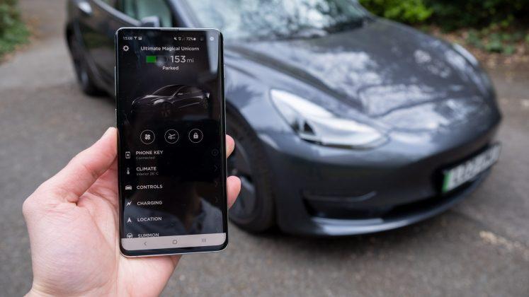 Tesla Model 3 app