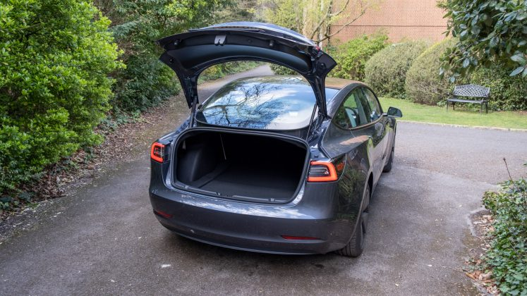 Tesla Model 3 boot design