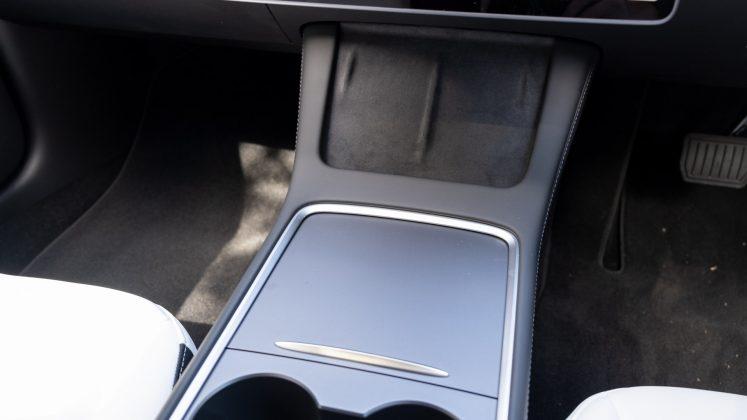 Tesla Model 3 centre console design