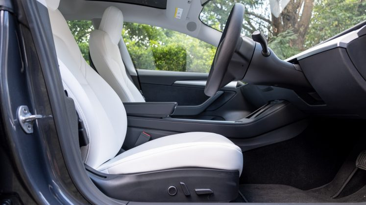 Tesla Model 3 front seat space