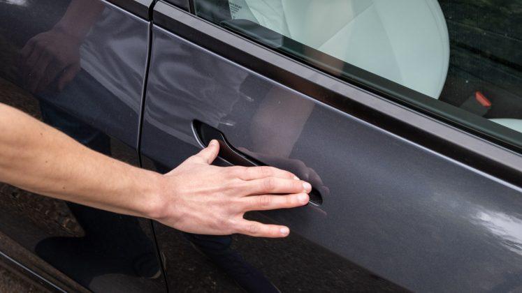 Tesla Model 3 opening door handle