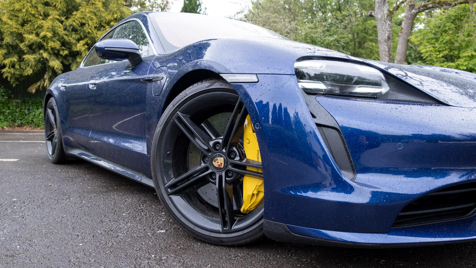 Porsche Taycan Turbo brakes