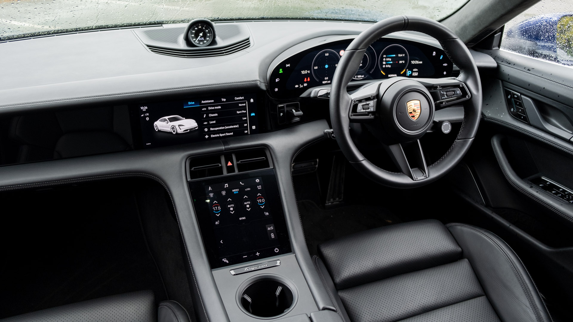 Porsche Taycan Turbo cabin design