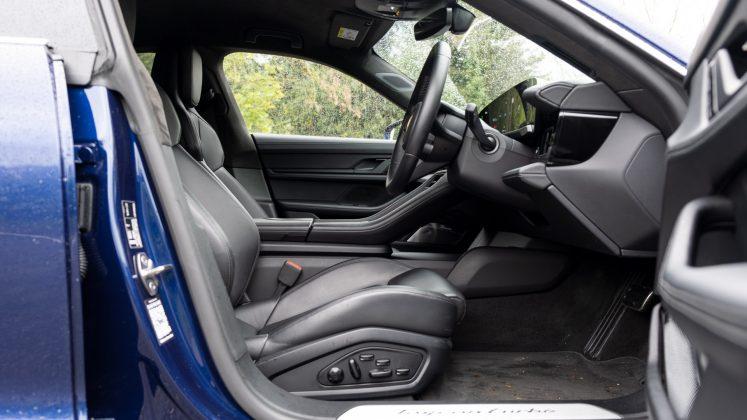 Porsche Taycan Turbo front seat design