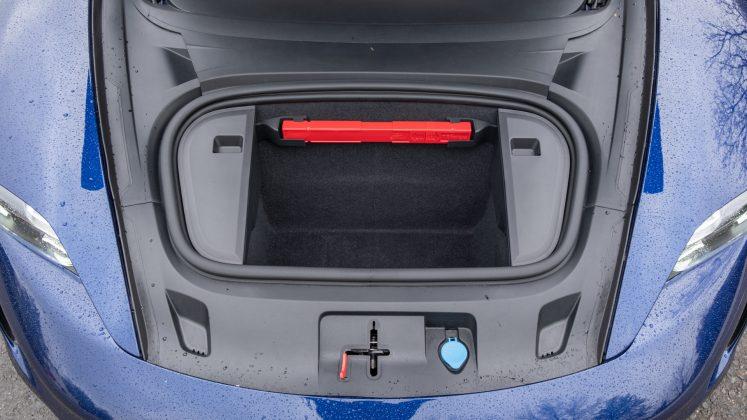 Porsche Taycan Turbo frunk