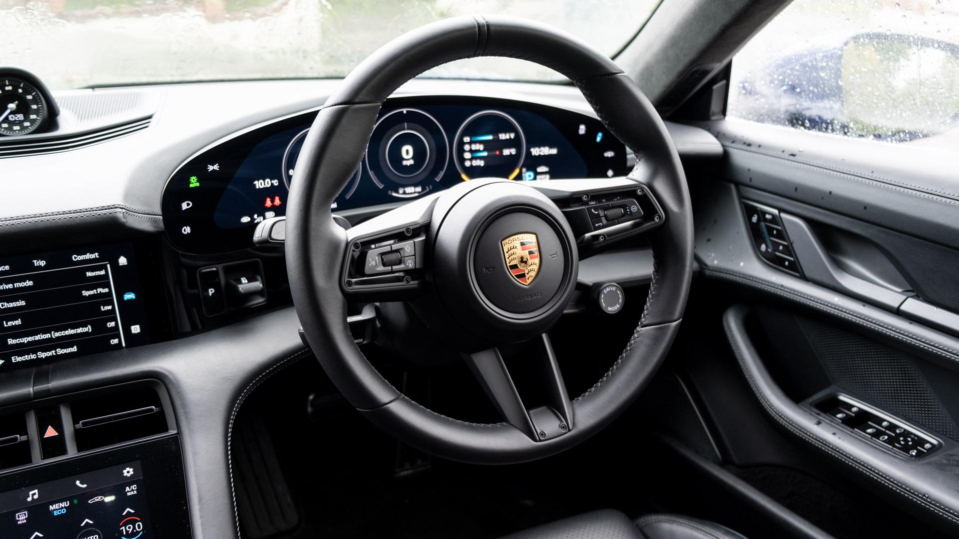 Porsche Taycan Turbo steering
