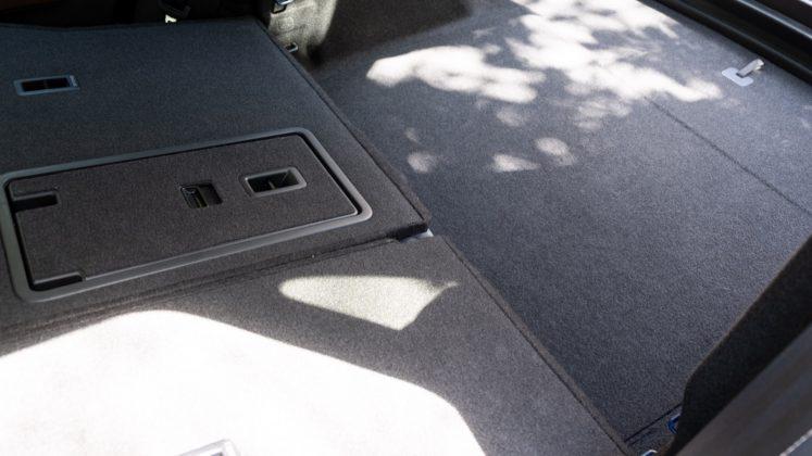 Volkswagen ID.4 rear seat lip