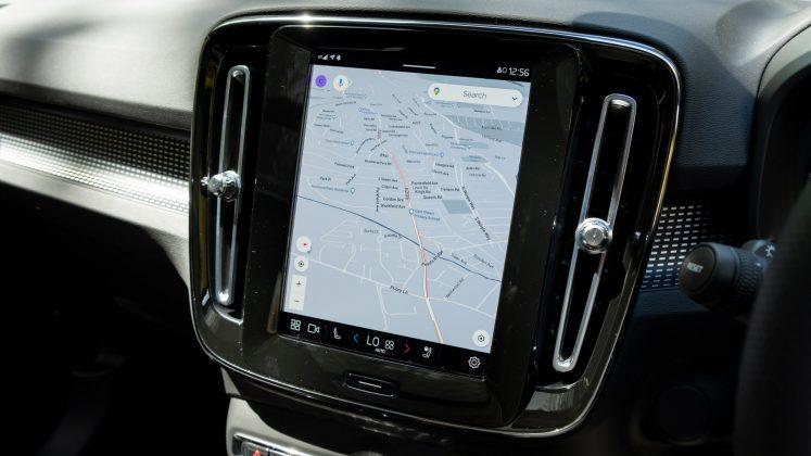 Volvo XC40 Recharge Twin Google Maps