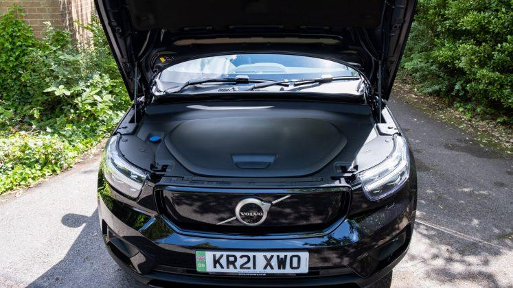Volvo XC40 Recharge Twin bonnet