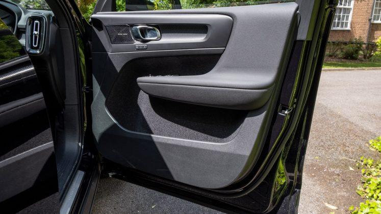 Volvo XC40 Recharge Twin front door