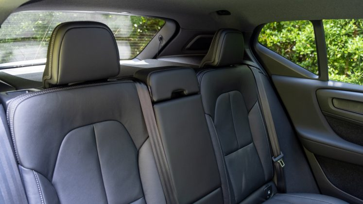 Volvo XC40 Recharge Twin rear seats