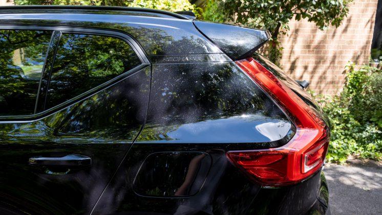 Volvo XC40 Recharge Twin spoiler