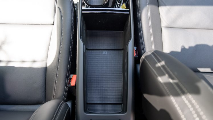Volvo XC40 Recharge Twin storage compartment
