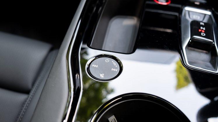 Audi e-tron GT audio wheel