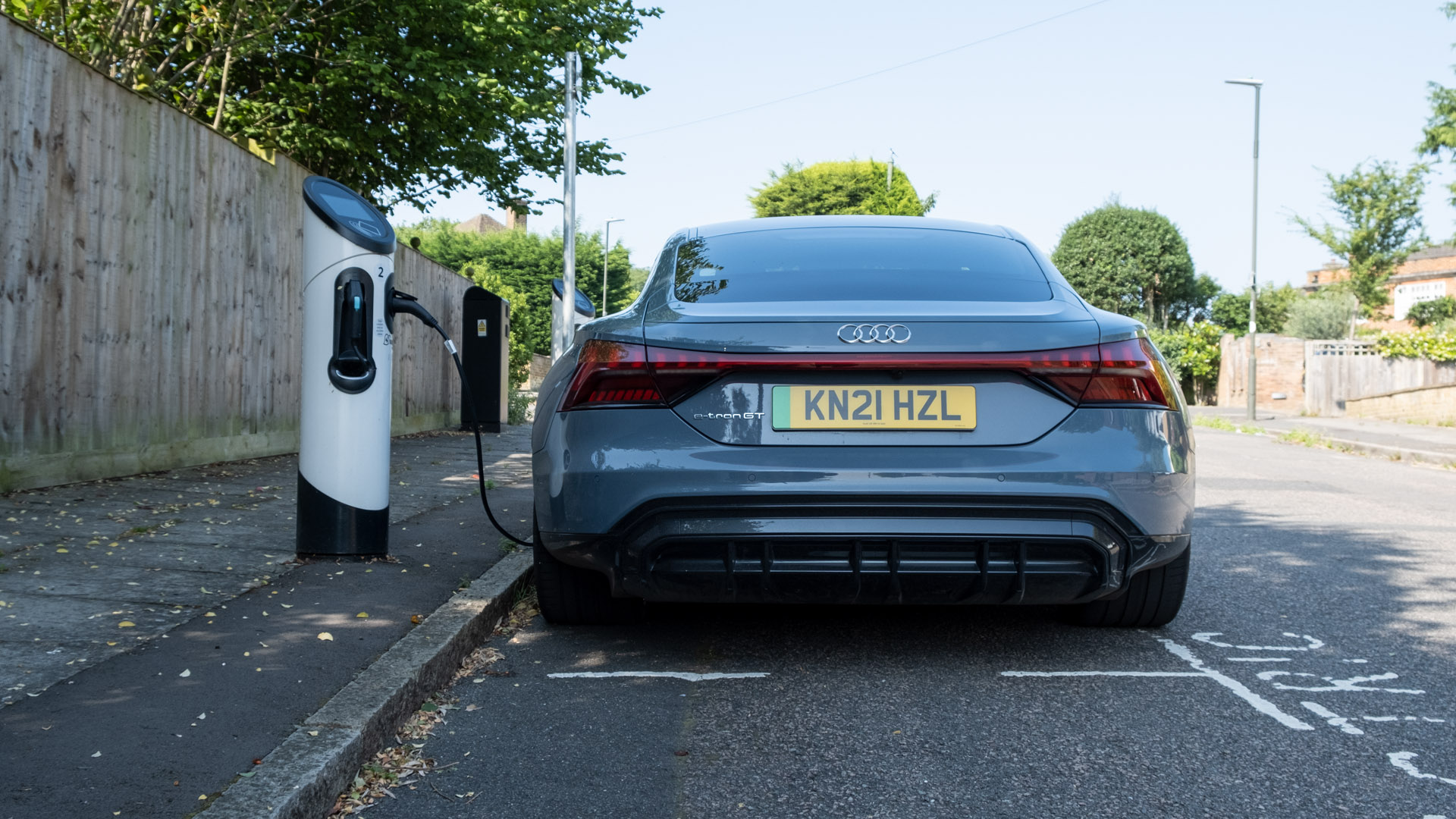 Audi e-tron GT charge point