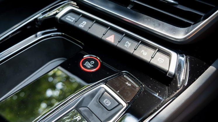 Audi e-tron GT controls