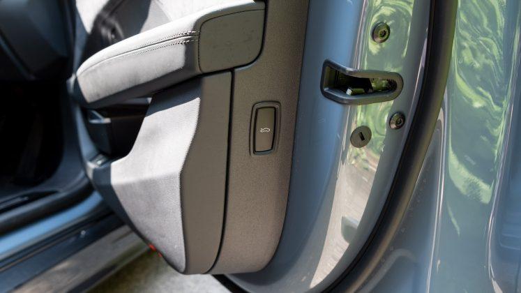 Audi e-tron GT frunk button