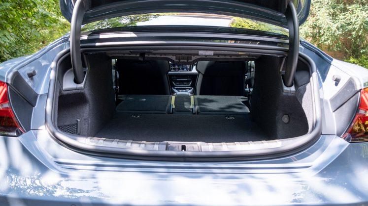 Audi e-tron GT seat down