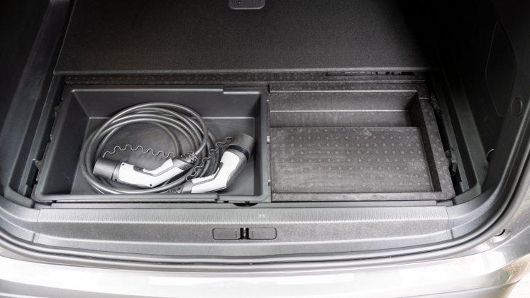 Citroen C5 Aircross Hybrid boot compartment