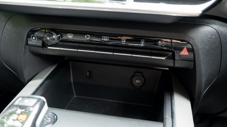 Citroen C5 Aircross Hybrid buttons