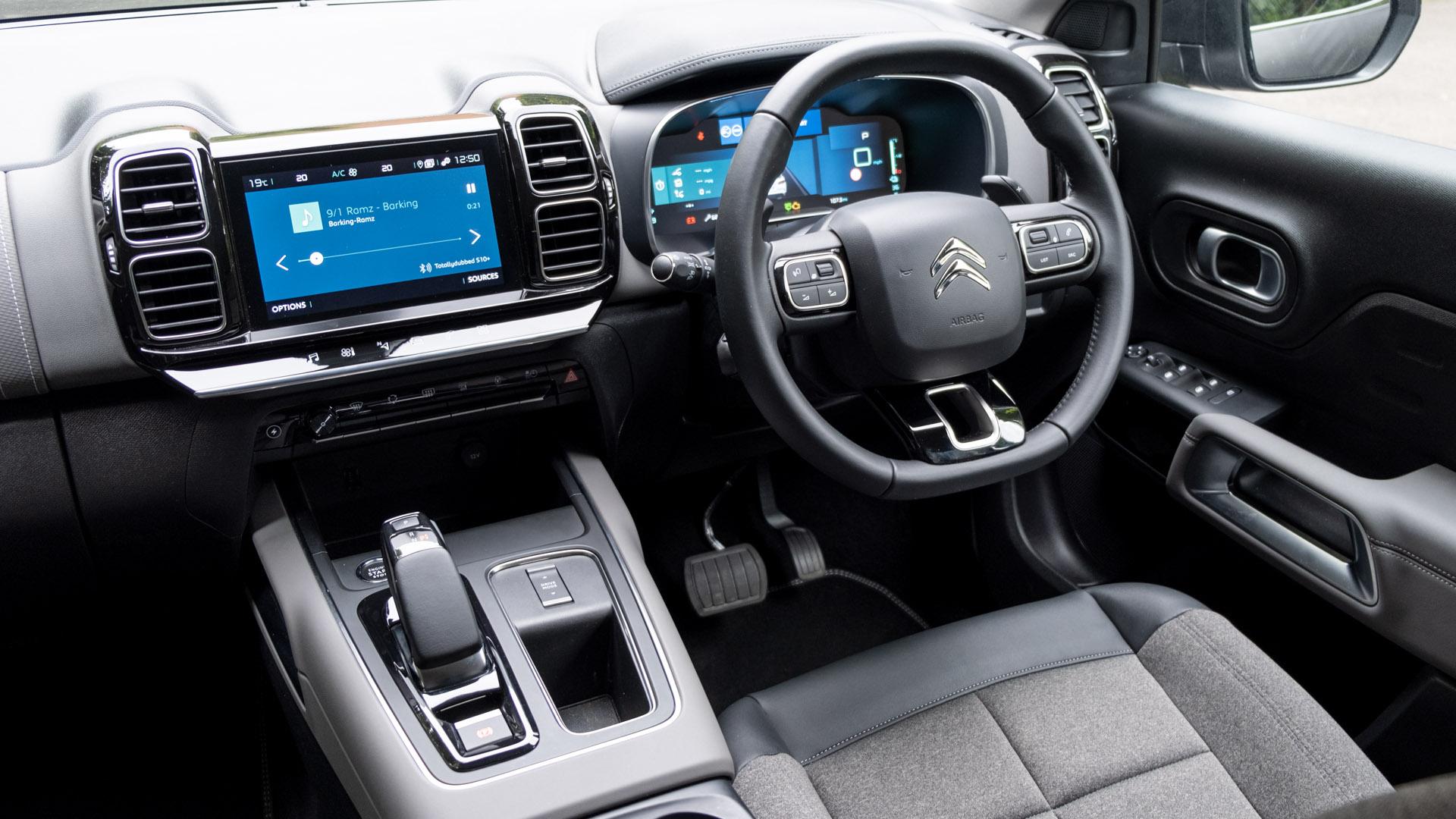 Citroen C5 Aircross Hybrid cabin