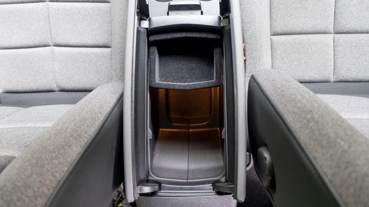 Citroen C5 Aircross Hybrid centre armrest
