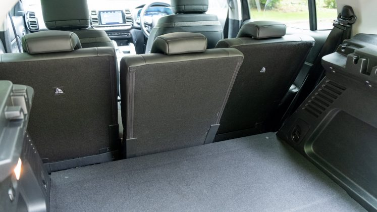 Citroen C5 Aircross Hybrid rear seat design