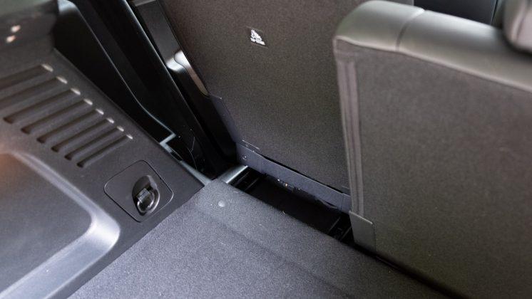 Citroen C5 Aircross Hybrid rear seat movement