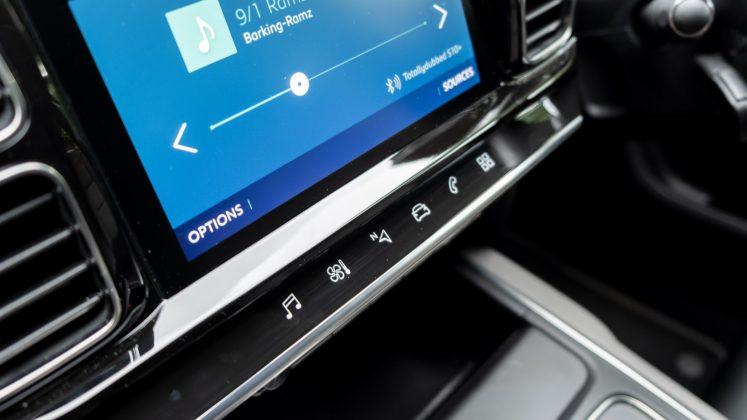 Citroen C5 Aircross Hybrid touch buttons