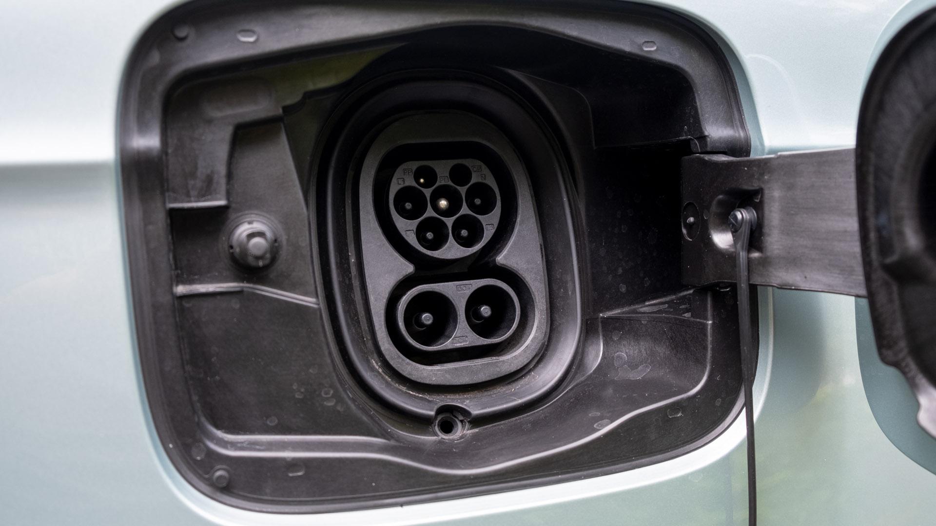 Skoda Enyaq iV charging