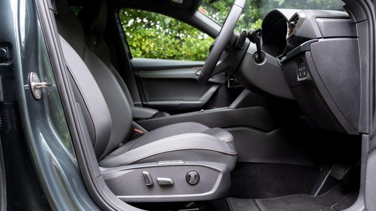 Cupra Formentor front seat adjustment