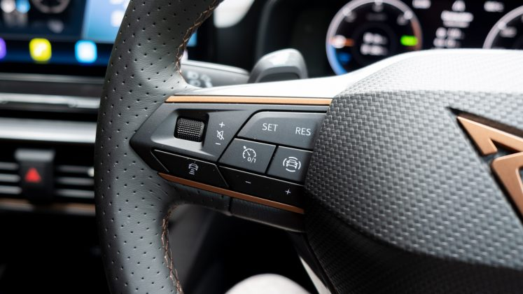 Cupra Formentor steering buttons